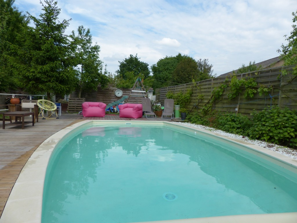 St s bastien sur loire maison avec piscine et t2 ind pendant gsi for Piscine 20000 euros
